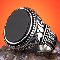 Anı Yüzük - Oval Siyah Oniks Taşlı İşlemeli 925 Ayar Gümüş Yüzük
