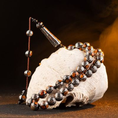 Yoğun Kehribar ve Gümüş İşlemeli Küre Kesim Kuka Tesbih